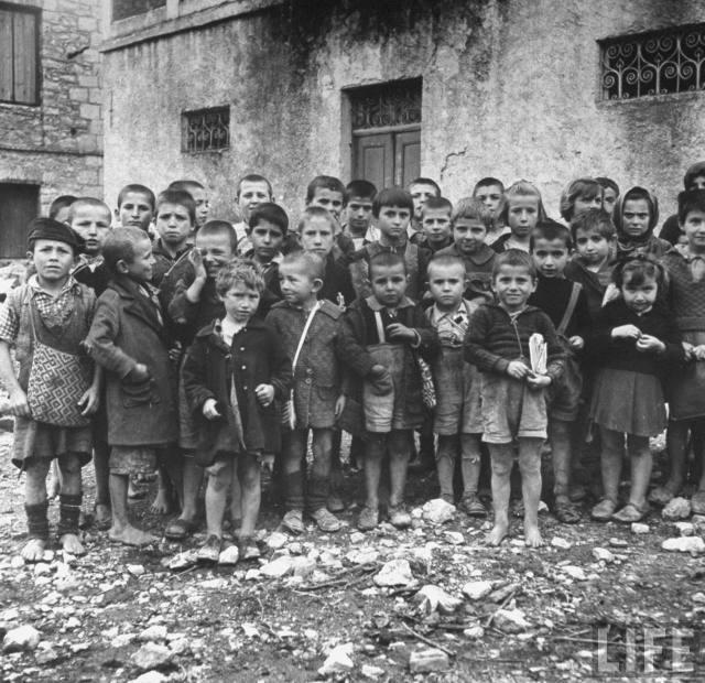 Enfants grecs pendant la Deuxième Guerre mondiale