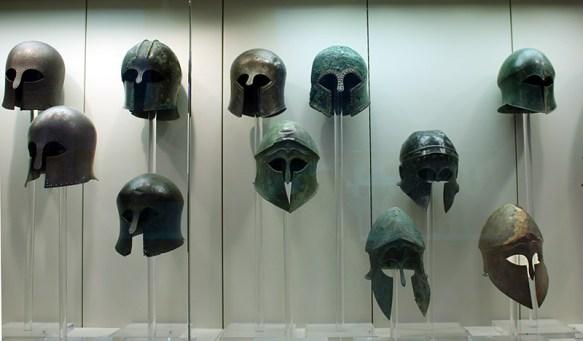 Casques corinthiens du musée d'Olympie