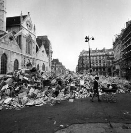Mai 68, poubelles dans Paris