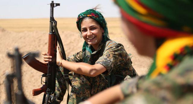 Combattante anti-Daesh