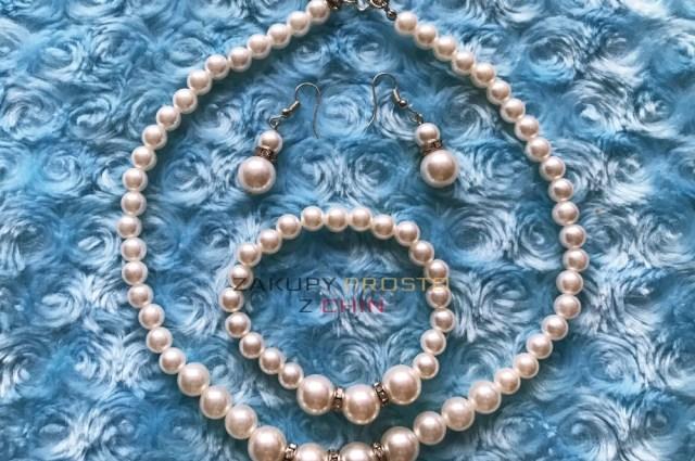 Komplet taniej biżuterii z perełek