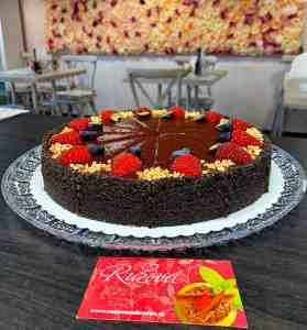 Cheesecake mak slivka bez múky. Zákusky z Ružovej cukrárne Nitra