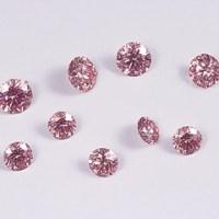 ファンシーピンククラスのコーティングピンクダイヤモンドのルース