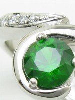 オーダーメイドで作ったデマントイドガーネットとダイヤモンドの指輪