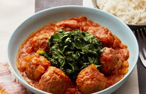 Meatballs in spicy tomato