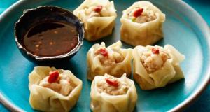 Steamed pork and prawn dumplings
