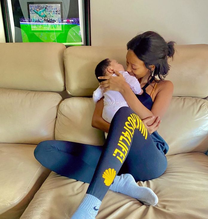 Itumeleng Khune's wife Sphelele dragged for not showing her Daughter's Face