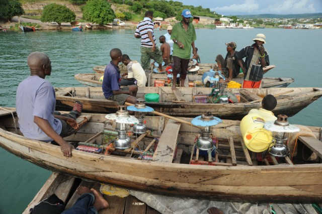 Zimbabwe deports arrested Zambian Fishermen after one of them Tests Positive for COVID-19