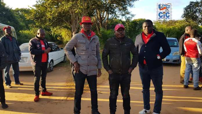UPND Youths In Lusaka Dares The Police As They Brave The Night Protecting Hichilema's House