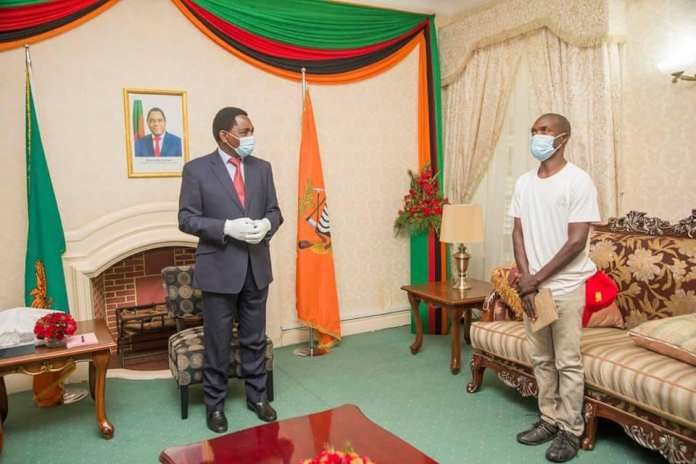 President HH  meets Mambwe man who cycled 600km for his inauguration