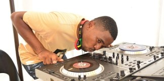 DJ 800