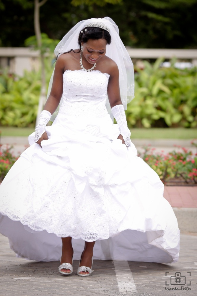 3 things to remember when buying a wedding dress for Buy a wedding dress