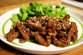 Сейтаном можно заменить мясо для вегетарианцев