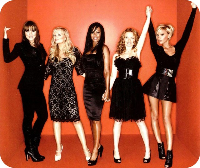 Spice_Girls-Greatest_Hits_CD_y_DVD-Interior_Frontal
