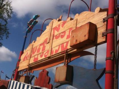 Wiseacre farm sign