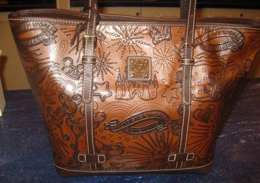 Dark Leather Cindy Sketch Dooney & Bourke