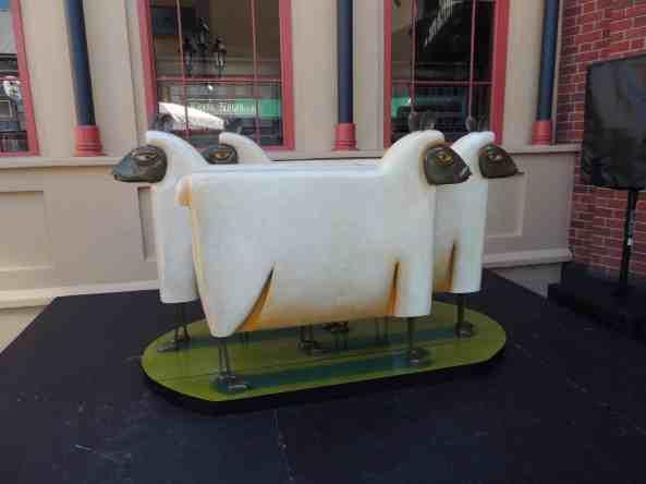 Graham Knuttel's sheep sculptures