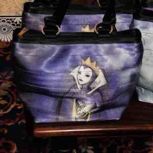 Harveys Seatbeltbag Evil Queen