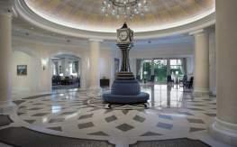 Waldorf Astoria Orlando front desk
