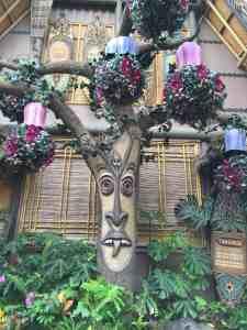 Enchanted Tiki Room Queue
