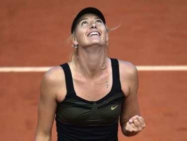 337855_la-russe-maria-sharapova-a-l-issue-de-sa-demi-finale-de-roland-garros-contre-petra-kvitova-a-paris-le-7-juin-2012