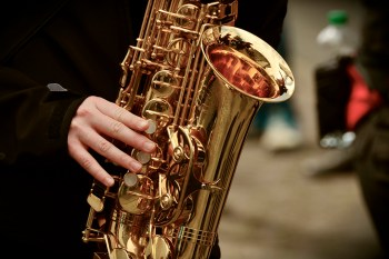 музыка-саксофон