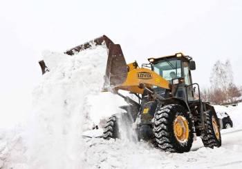 Просим при уборке снега не разбрасывать его по проезжей части