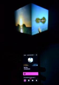 MONA - Y el iPhone que esxplica todo.