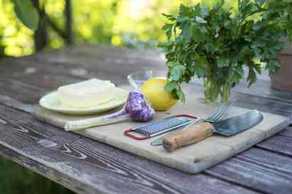 Zitronen-Knoblauch-Butter