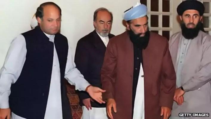 Nawaz-Sharif-with-Afghan-War-Lords-hikmat-yaar
