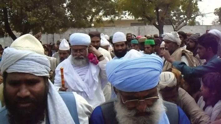 Pir-Saien-Abdul-Khaliq-Bharchundi-sharif
