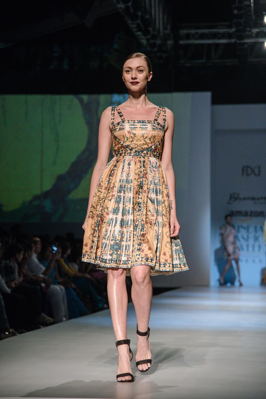 Bhanuni by Jyoti FDCI Amazon India Fashion Week Spring Summer 2018 Look 7
