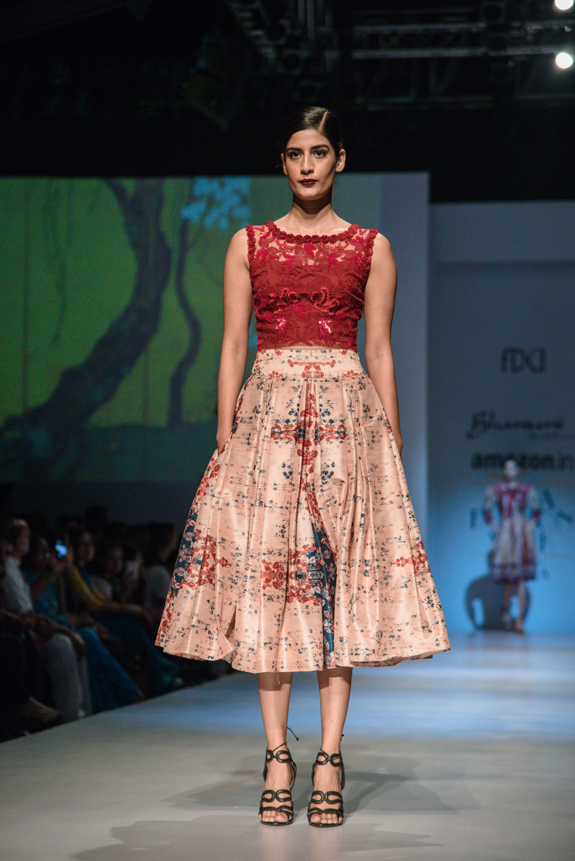 Bhanuni by Jyoti FDCI Amazon India Fashion Week Spring Summer 2018 Look 13