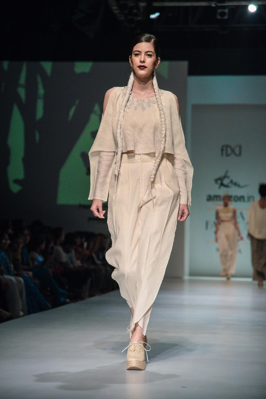 Ekru by Ektaa FDCI Amazon India Fashion Week Spring Summer 2018 Look 6