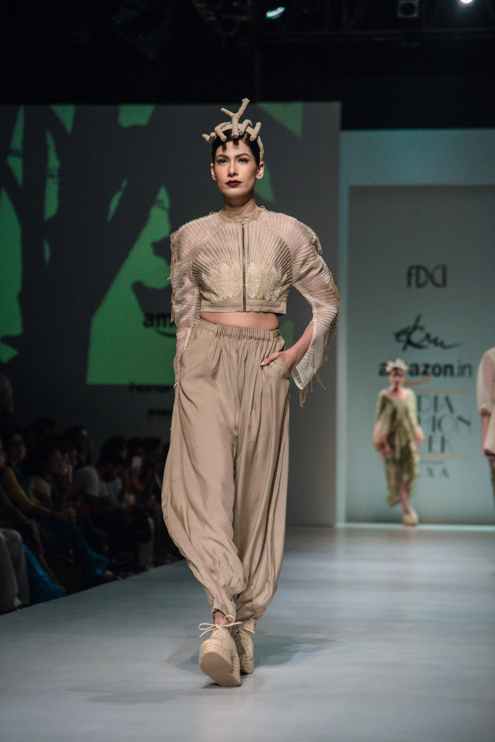 Ekru by Ektaa FDCI Amazon India Fashion Week Spring Summer 2018 Look 10