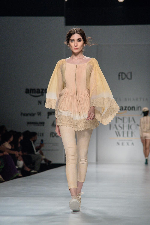 Kavita Bhartiya FDCI Amazon India Fashion Week Spring Summer 2018 Look 11