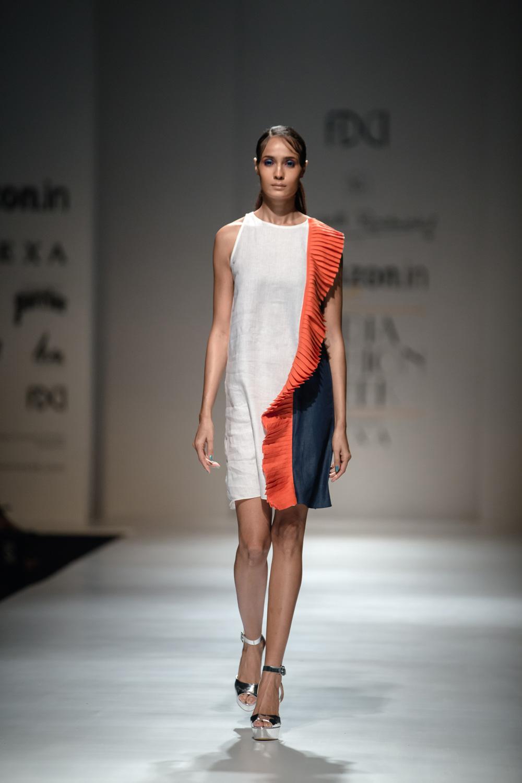 Wendell Rodricks FDCI Amazon India Fashion Week Spring Summer 2018 Look 1