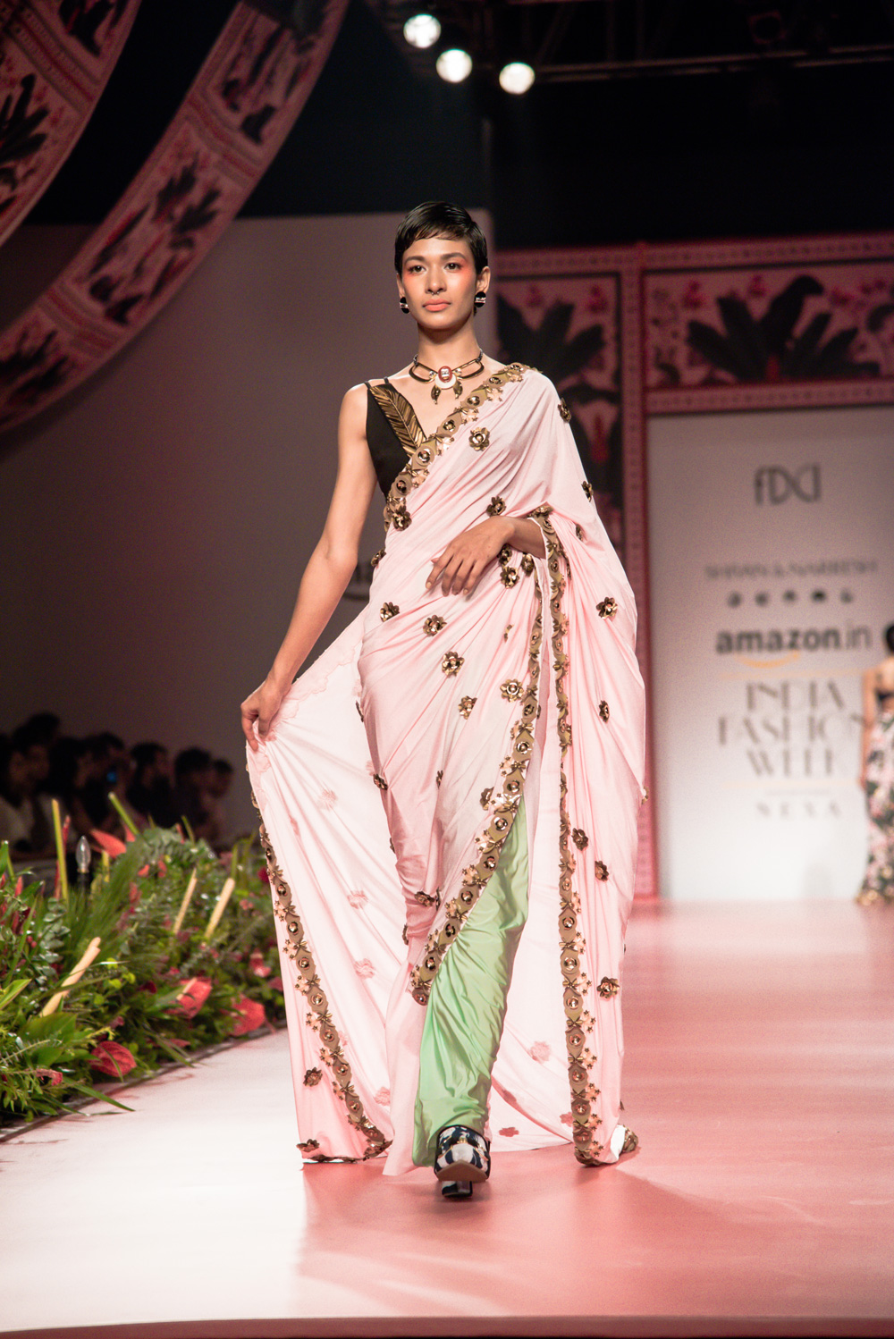 Shivan and Narresh FDCI Amazon India Fashion Week Spring Summer 2018 Look 13
