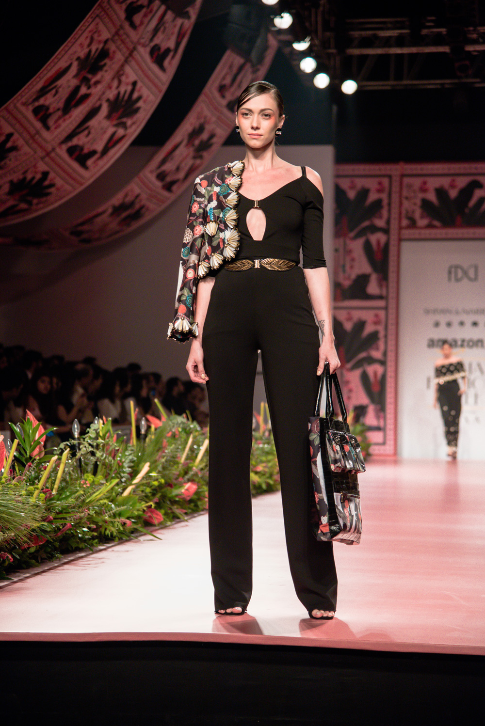 Shivan and Narresh FDCI Amazon India Fashion Week Spring Summer 2018 Look 15