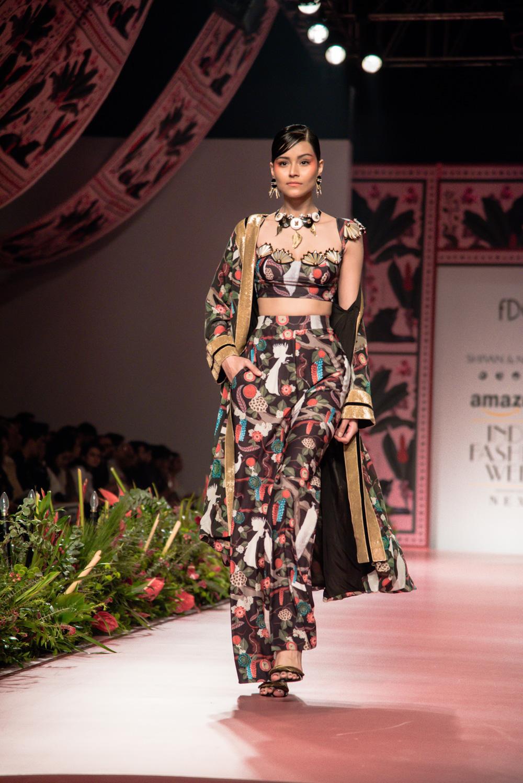Shivan and Narresh FDCI Amazon India Fashion Week Spring Summer 2018 Look 20