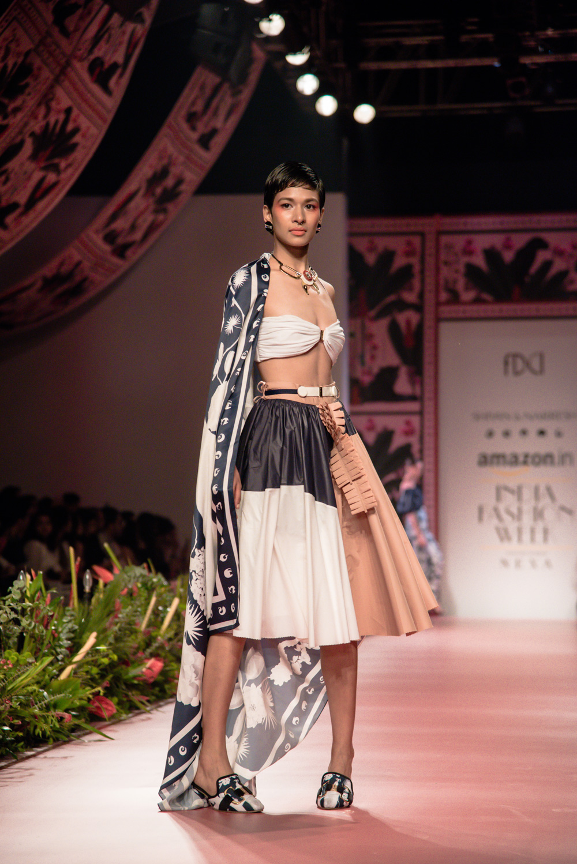Shivan and Narresh FDCI Amazon India Fashion Week Spring Summer 2018 Look 4