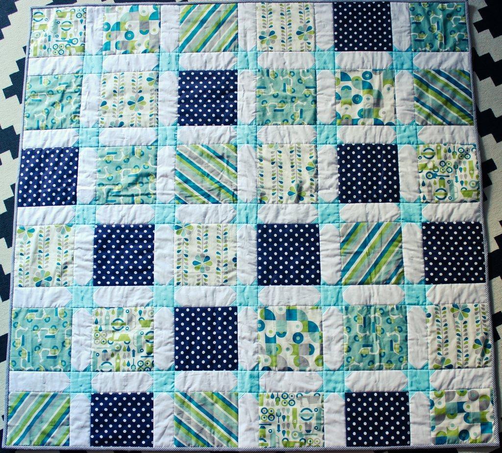 Star sashing baby quilt (2)
