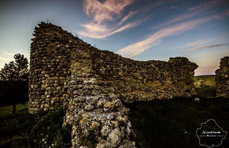 Ruinas del Castillo de Fuentes en Villarejo de Fuentes