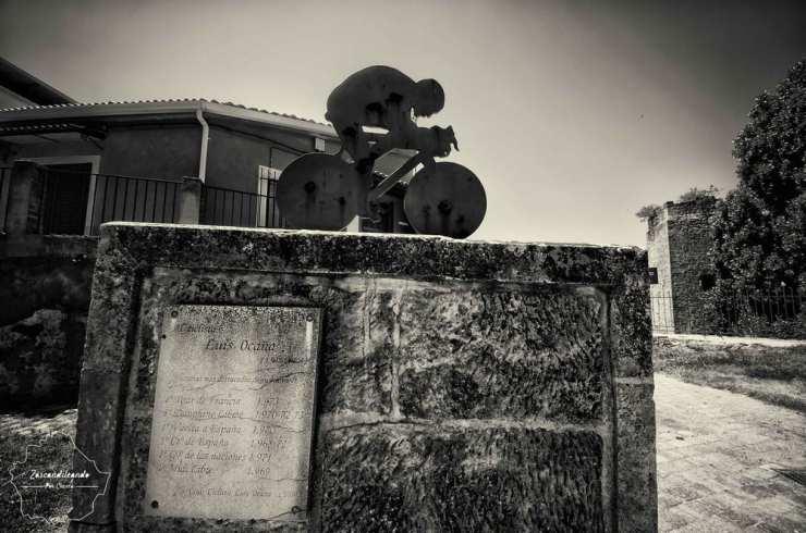 Monumento a Luis Ocaña