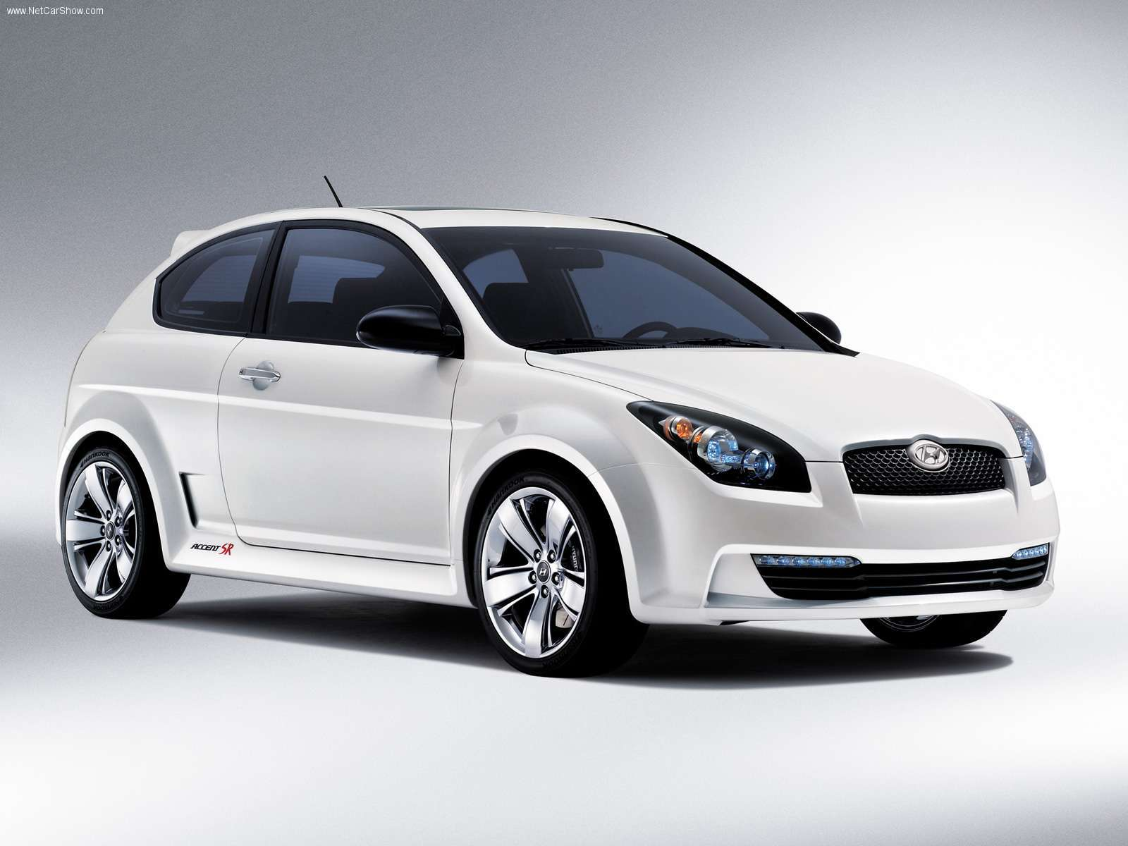 Car Brand Hyundai Accent Models Wallpapers And Images