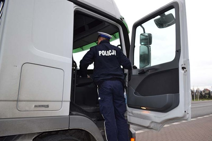 akcja policyjna bus i truck