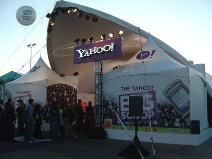 yahoo-booth.jpg