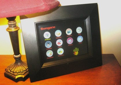 Sungale Wi-Fi photo frame with widgets