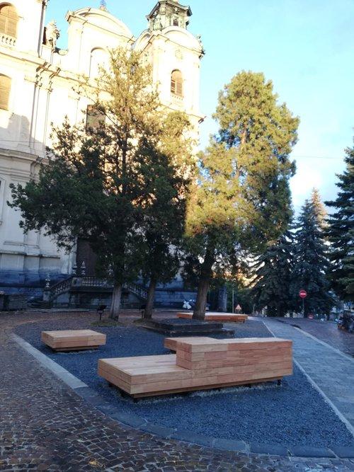 """""""Вулиця для всіх"""". Біля Органного залу облаштували новий громадський простір"""