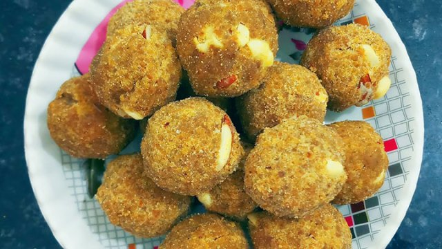 Make Besan ke Laddu in a new way without ghee
